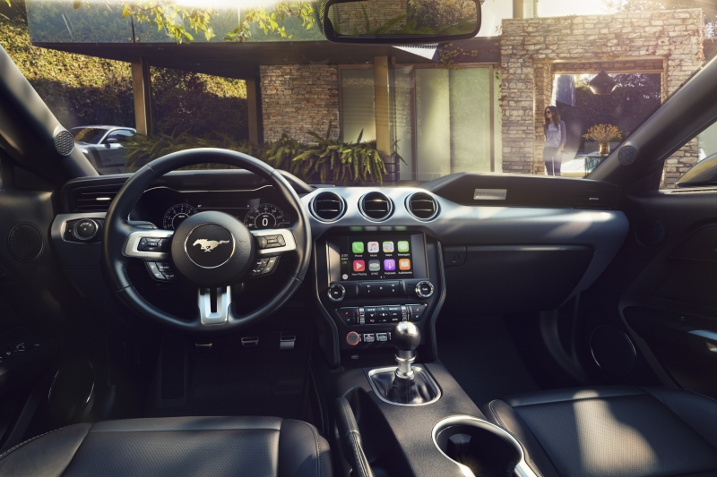 New-Ford-Mustang-Interior 1