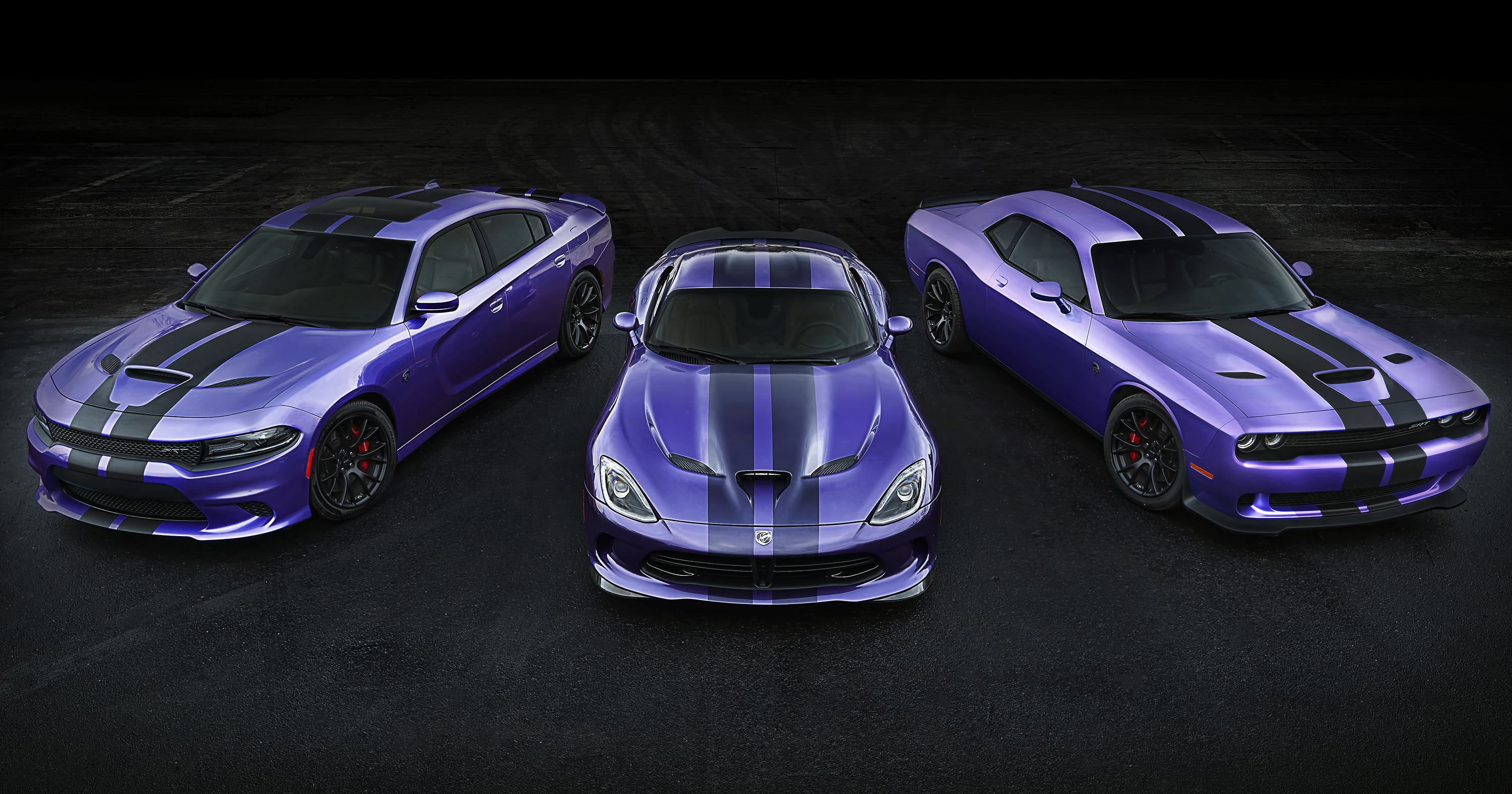 2016 CHALLENGER AND CHARGER SRT HELLCAT EARN STRIPES